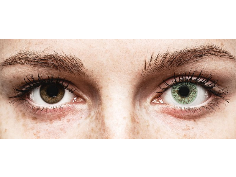 Green contact lenses - FreshLook Colors (2 monthly coloured lenses)